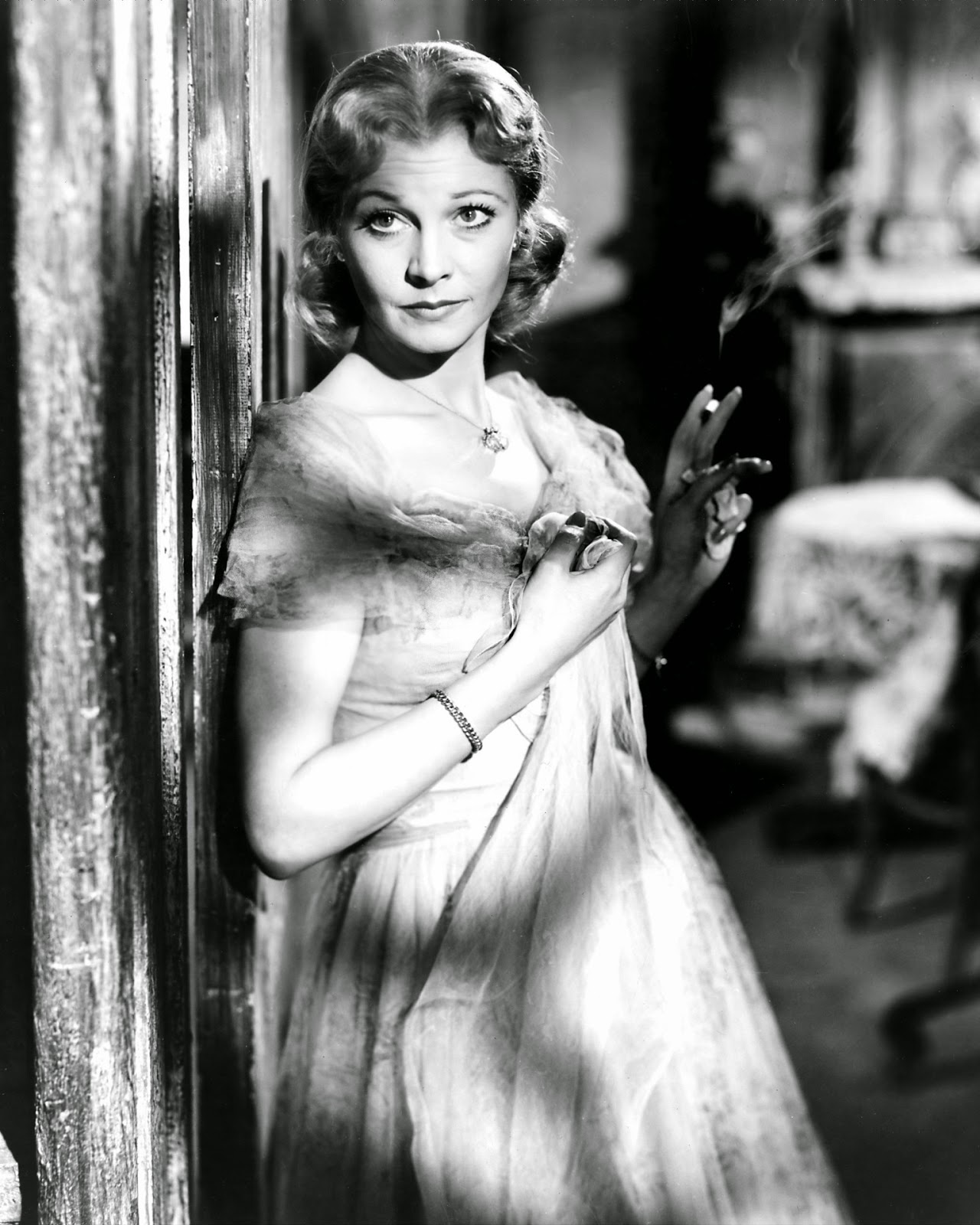 an analysis of blanche dubois in a streetcar named desire by tennessee williams A streetcar named desire is a landmark american drama of the twentieth century some of the major themes of the play are explored, with reference to selected contemporary critical reflections on tennessee williams' play.