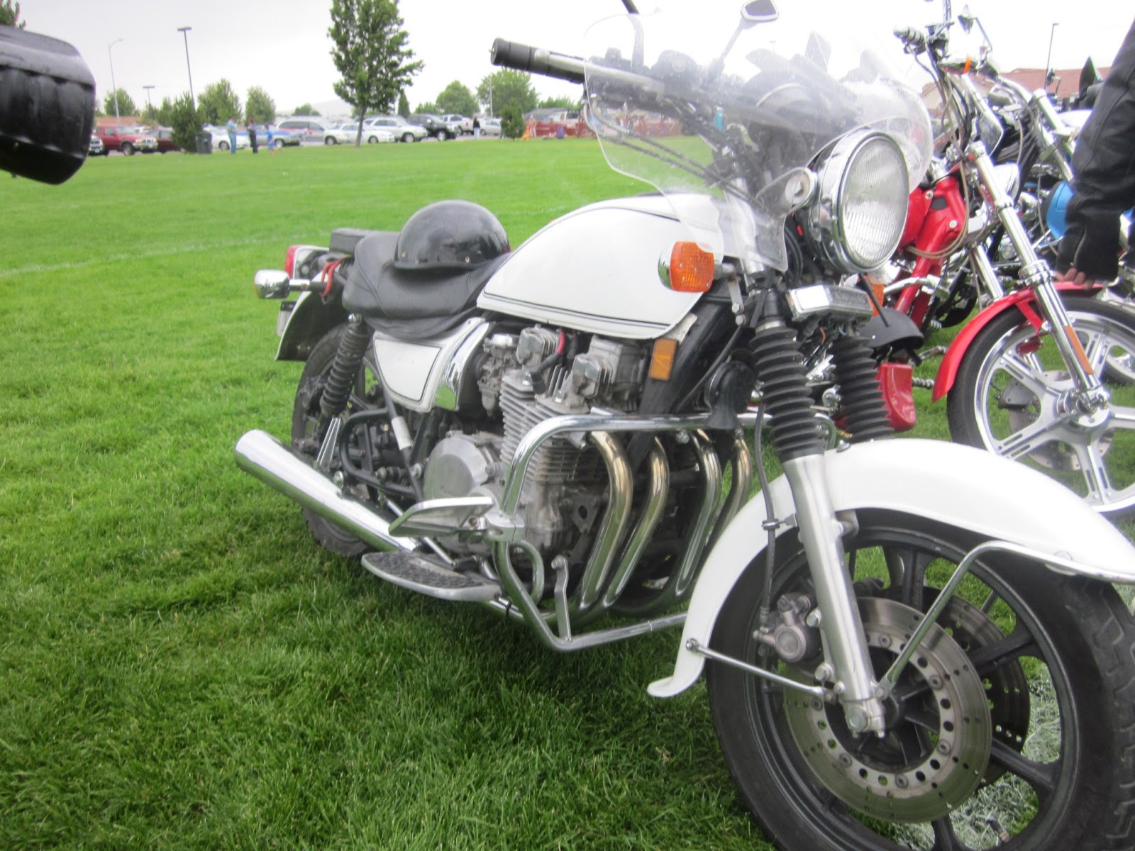 OldMotoDude  Kawasaki KZ1000 Police Special parked at Hogs and