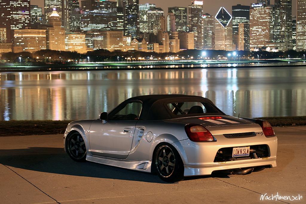 Toyota MR-S (MR2) W30, nocna fotografia, samochody nocą, auta po zmroku, wieczorem, mrok, japońskie, motoryzacja, JDM, tuning, zdjęcia, photos, at night, cars, photography