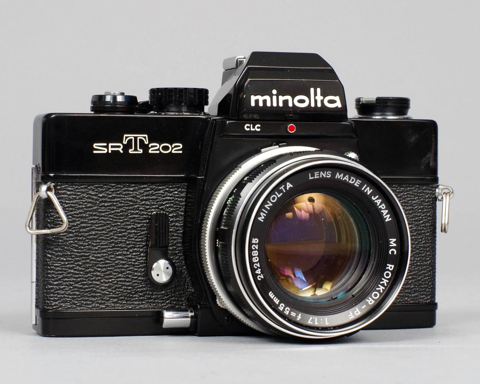 File:Vintage Minolta Hi-Matic E 35mm Rangefinder Camera, Made In ...