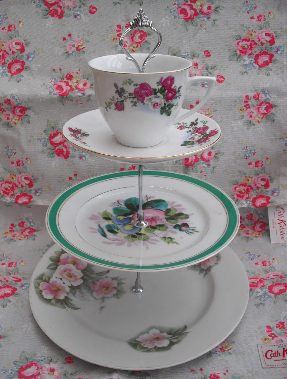 diy homemade vintage china cake stand victoria 39 s. Black Bedroom Furniture Sets. Home Design Ideas