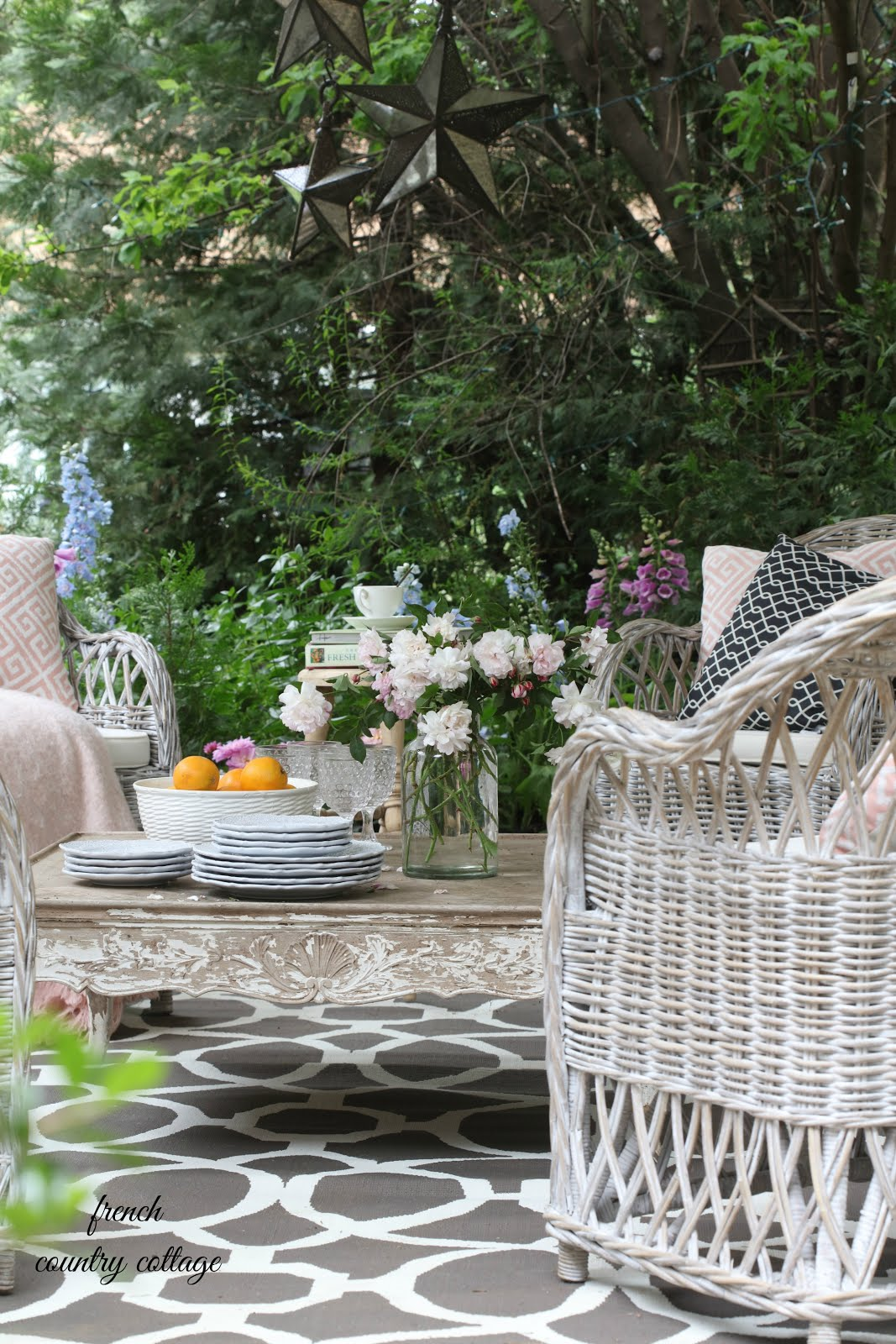 Inspirational How to create rustic cottage charm on your patio FRENCH COUNTRY COTTAGE