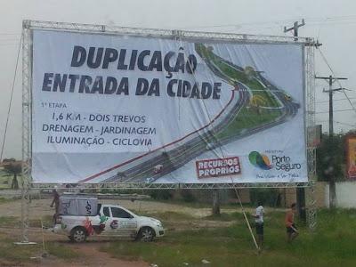 Os passeios de vários locais estão sendo revitalizados, bem como a Passarela do Descobrimento recebe recolocação de pedras portuguesas