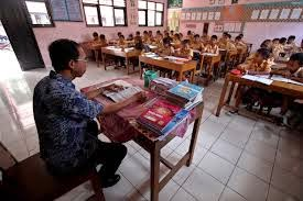 Komentar Guru-guru mengenai Penghentian Kurikulum 2014