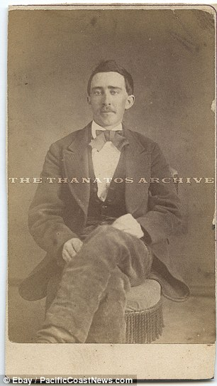 A portrait of Keanu Reeves, in 1873 :