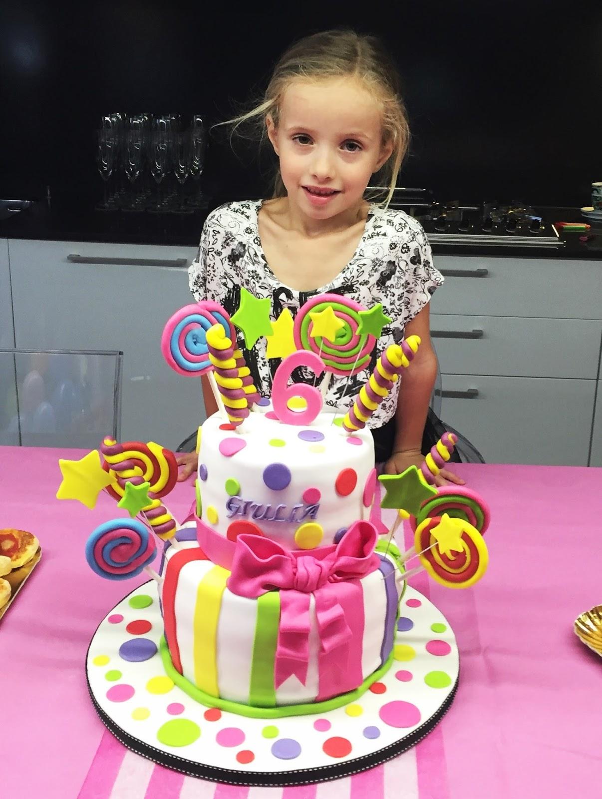 Candy cake la torta decorata con le caramelle in pasta di for Decorazioni compleanno bimba