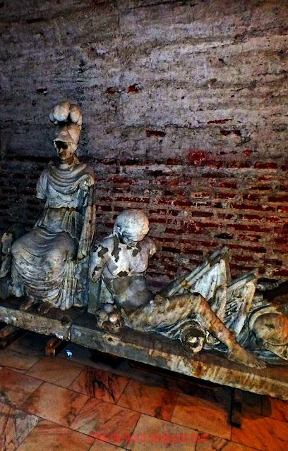 statui subsol palat mogosoaia
