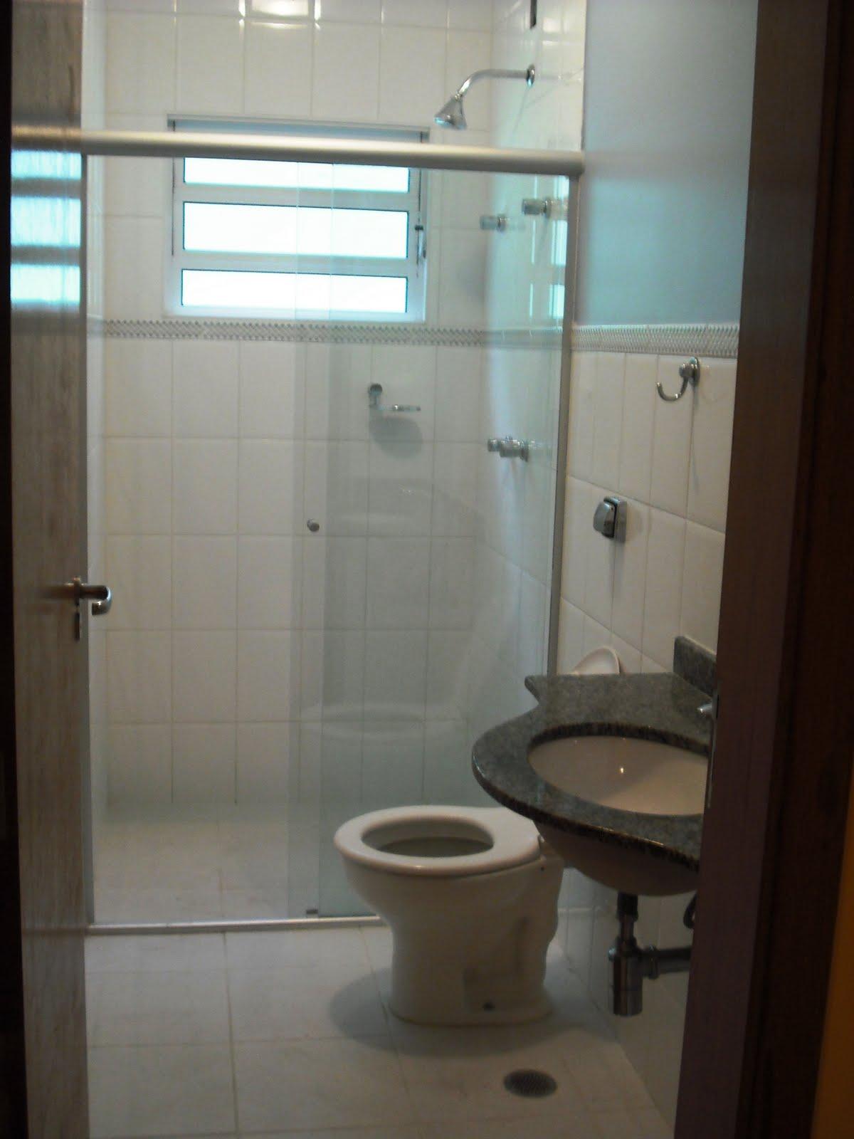 Imagens de #2F261E DE NEGÓCIOS: Banheiro da Suíte com box blindex pia com tampo de  1200x1600 px 3484 Blindex Para Banheiro Rj
