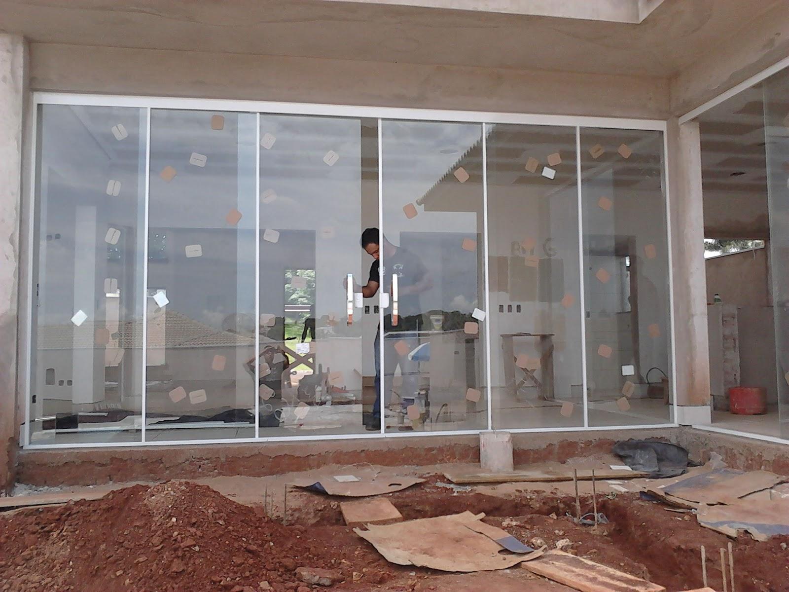 #67433A Aqui o sistema aplicado com 06 vidros VE6 com vidros incolor 10mm 1594 Vidros Ou Janelas Eletrocrômicos