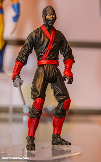 Hasbro 2013 Toy Fair Display Pictures - Wolverine All-Stars - Hand Ninja