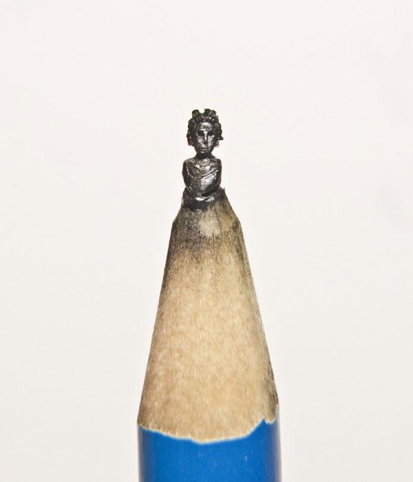 Pencil tip carvings by hedley wiggan