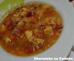 Sopa de frango com legumes e quinua