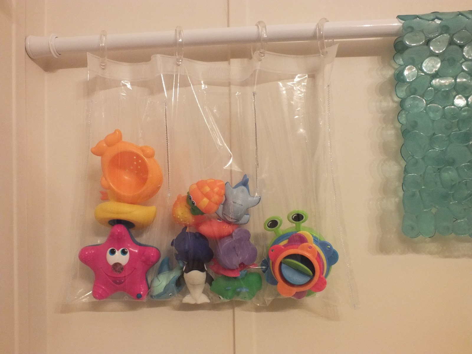 The Quest for SuperMom Status: DIY Bath Toy Bag