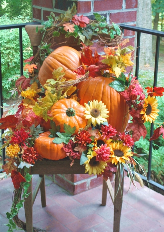 Shelley b decor and more fall porch decorating for Pictures of fall decorations for outdoors