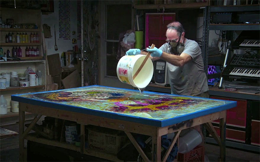 Resin Painting Techniques : Hi artist creates psychedelic art by pouring paint and