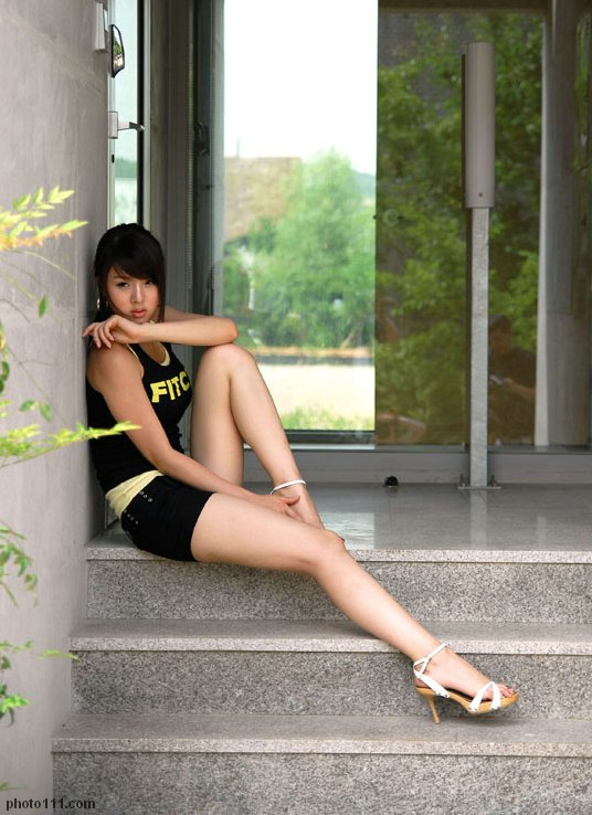 hwang mi hee race queen photo 01