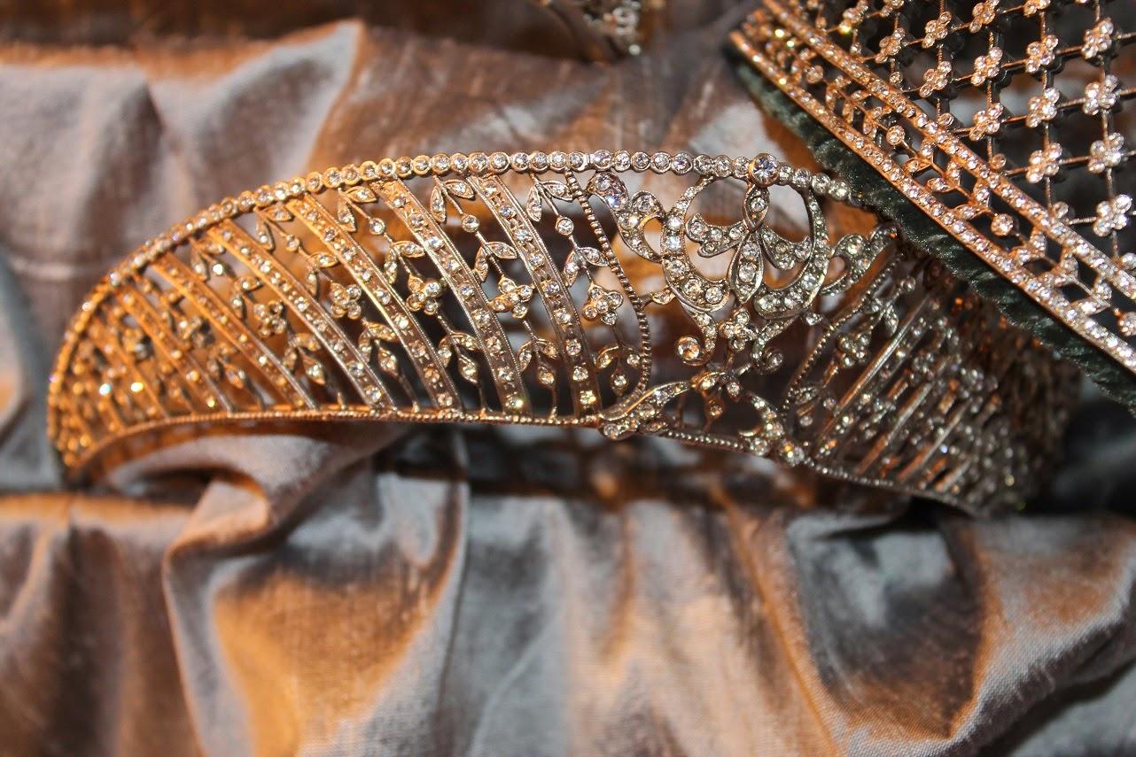 López Linares, Vintage Jewelry, Joyas Históricas, Evento Moda, Bloggers, Carmen Hummer, Style, Tiaras, Pendientes, Pulseras, Complementos novia y eventos