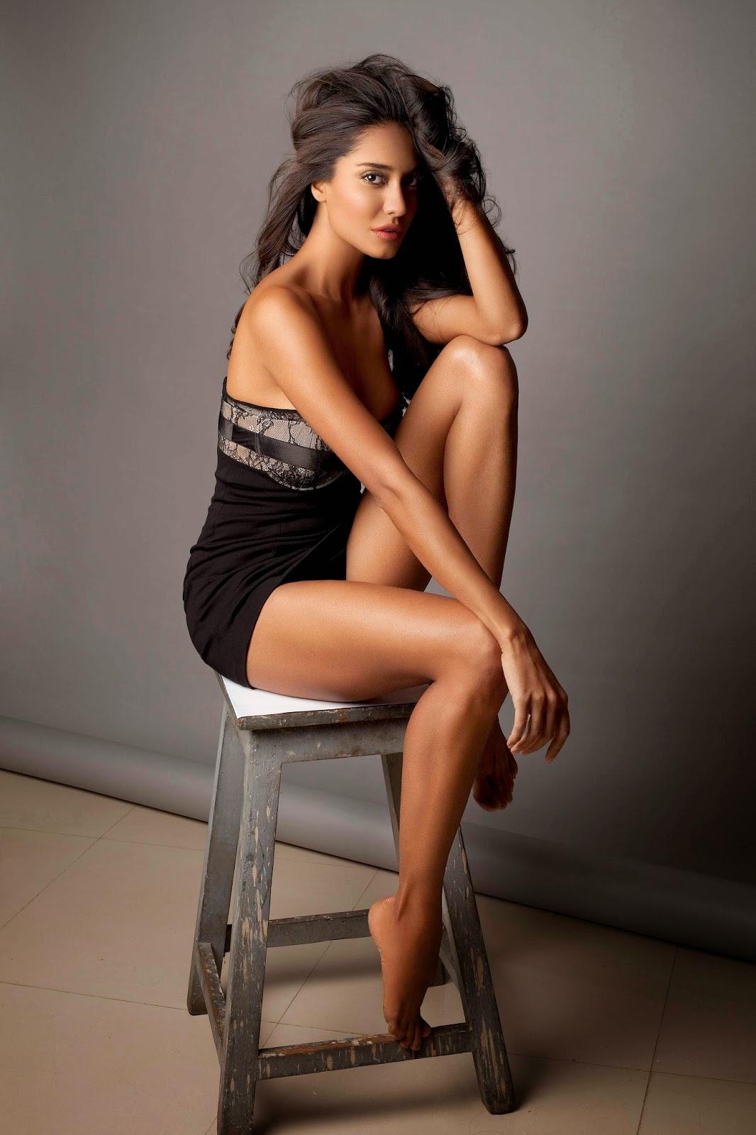 Lisa Haydon to Judge MTV India's Next Top Model_ khabrilal_ news