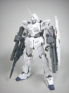 MG 1/100 Gundam Unicorn with Beam Gatling Gun set
