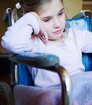 كيفية تعامل الاسرة مع طفل ذوي الاحتياجات الخاصة 5393_large.jpg