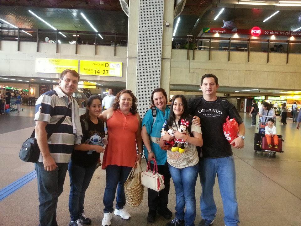 Encontro de amigos no aeroporto de Guarulhos
