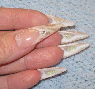 stiletto nokti 012 zaobljeni,spicasti nokti