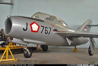pesawat MiG-15