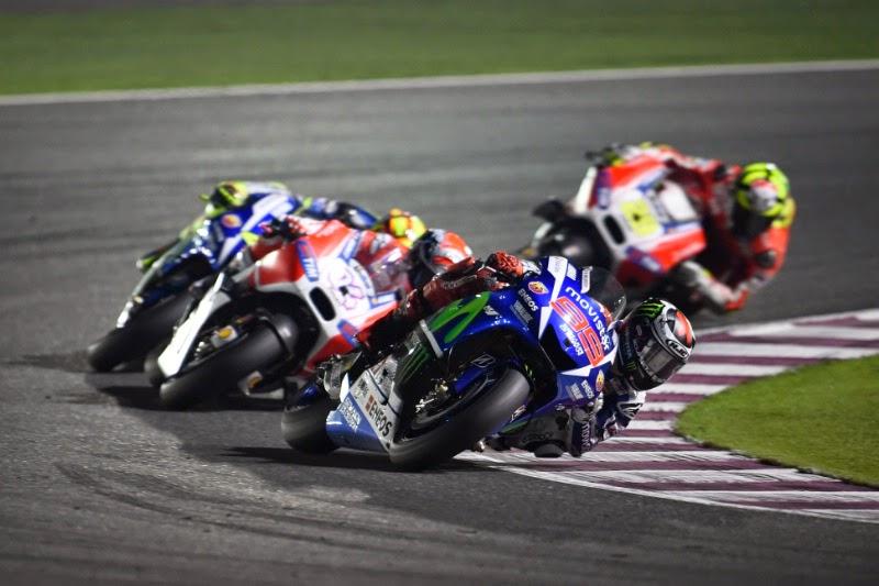 Pertarungan memperebutkan juara motoGP Qatar 2015