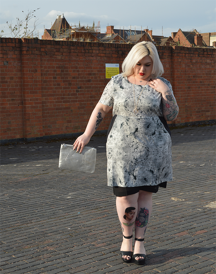 British plus size fashion blogger Nancy Whittington modelling the Carmakoma Sakar dress