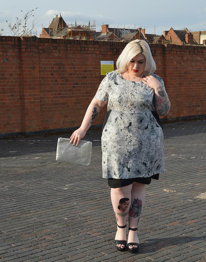 British plus size fashion blogger Nancy Whittington modelling the Carmakoma Sakar dress