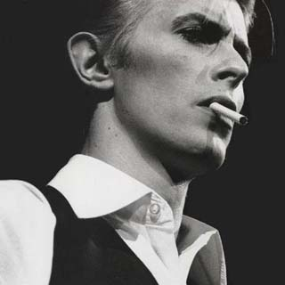 David Bowie – The Stars (Are Out Tonight) Lyrics | Letras | Lirik | Tekst | Text | Testo | Paroles - Source: musicjuzz.blogspot.com