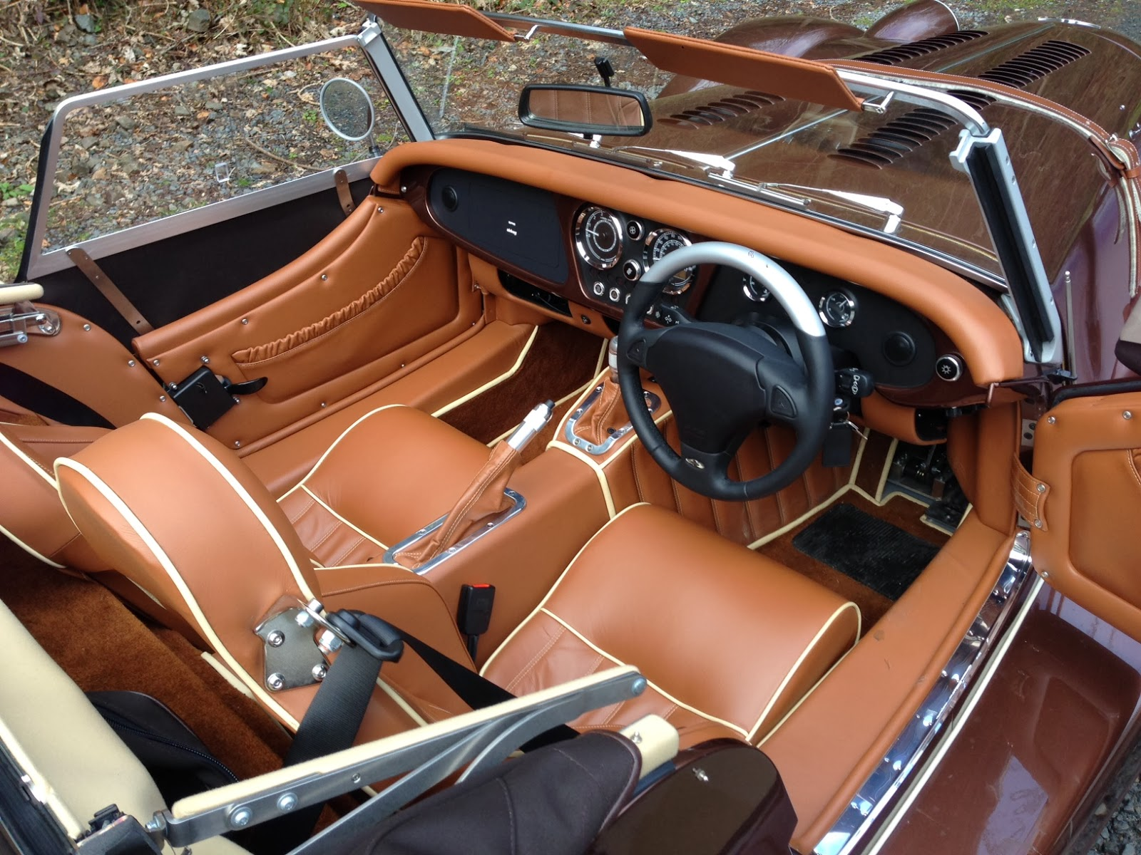 2014 Morgan Plus 8 interior