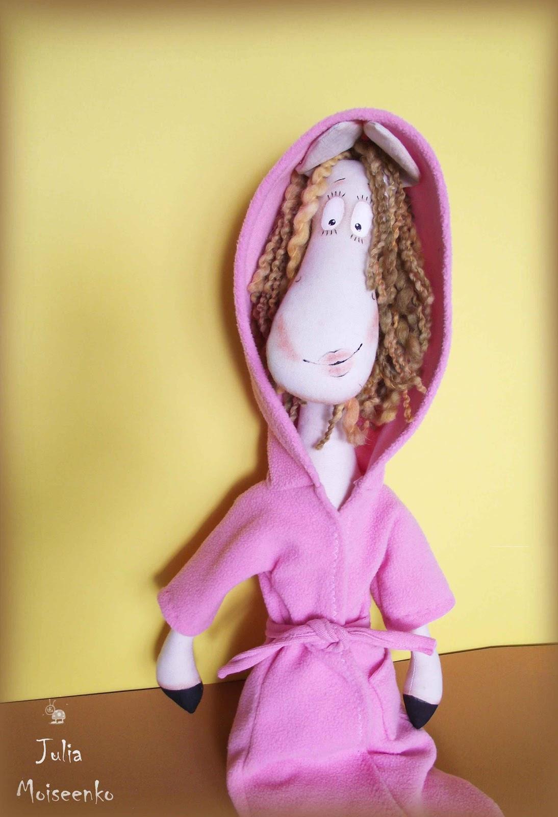 Тётя в одном халате 2 фотография