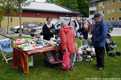 loppis, loppmarknad, flea market, jämshög, olofström, blekinge, södra sverige, sydsverige, south of sweden, loppiabord, loppisförsäljare, försäljare, knalle, foto anders n