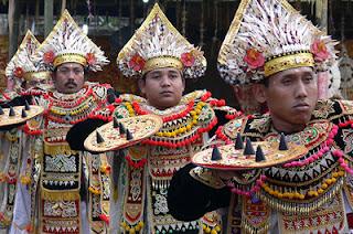 Tari Baris Gede, Balinese dance, Sacred dance, holiday in Bali, Gong Kebyar, Gong Gede, Balinese arts, Hindu Bali, Pura