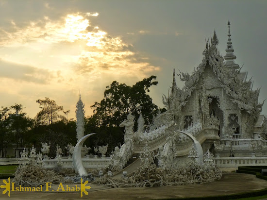 Chiang Rai Attractions: Wat Rong Khun (White Temple)