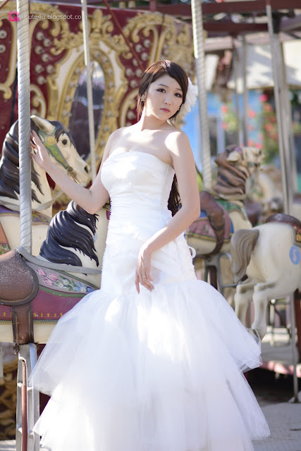 4 Lee Eun Hye in Wedding Dress - very cute asian girl - girlcute4u.blogspot.com