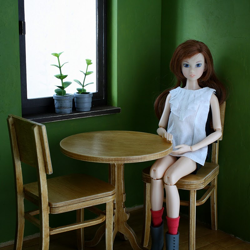 roombox for playscale dolls by minimagine - momoko, barbie, blythe