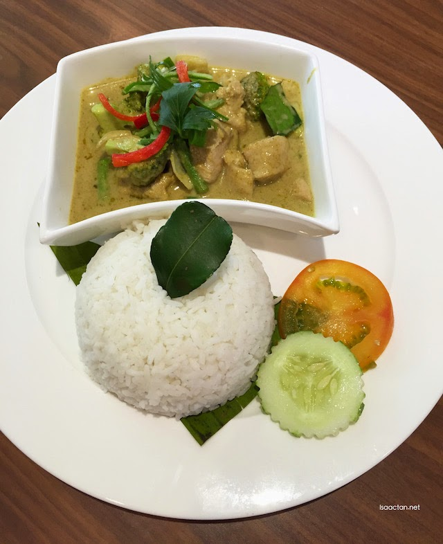 Green curry chicken - Gaeng Keow Wan - RM18