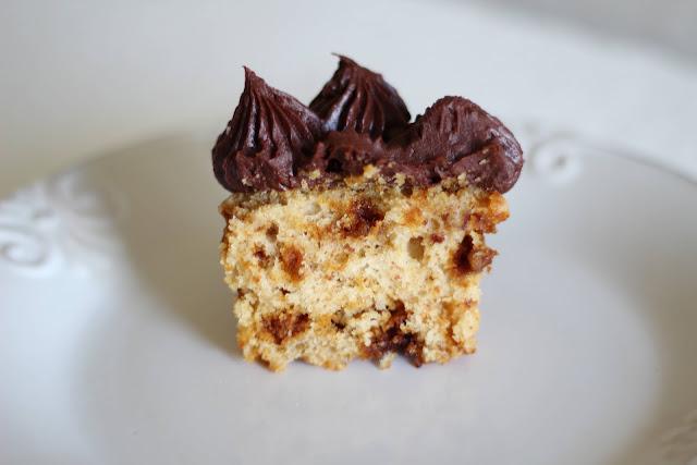 Receita de cupcake crocante coberto com salted caramel ganache