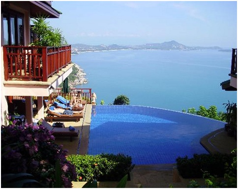 Infinity pools, overflowing swimming pools