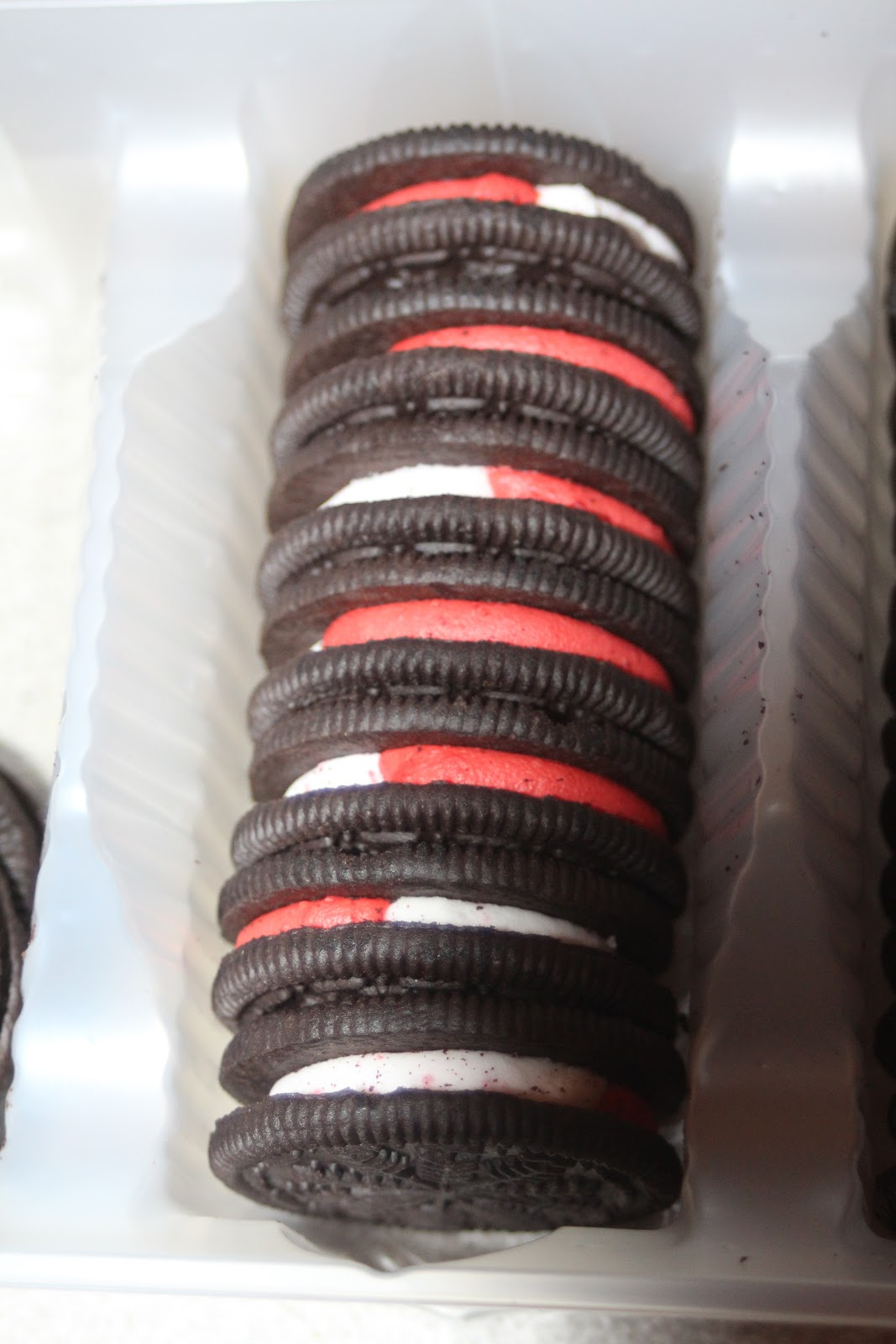 Julie Bakes Candy Cane Oreo Pops