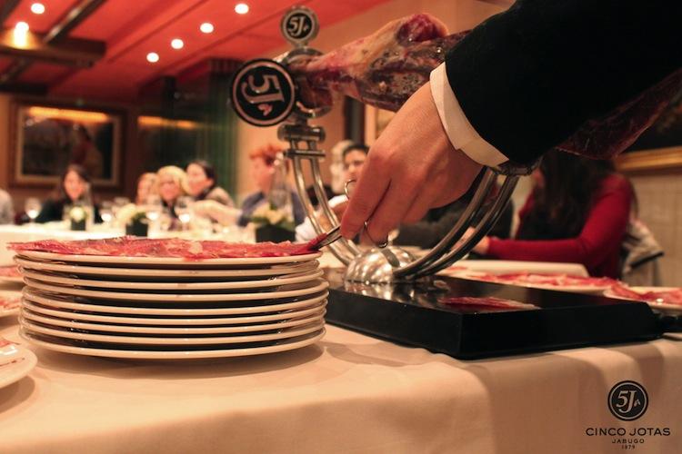 Taller de corte y cata 5 jota. Restaurante Casa Roble, Sevilla