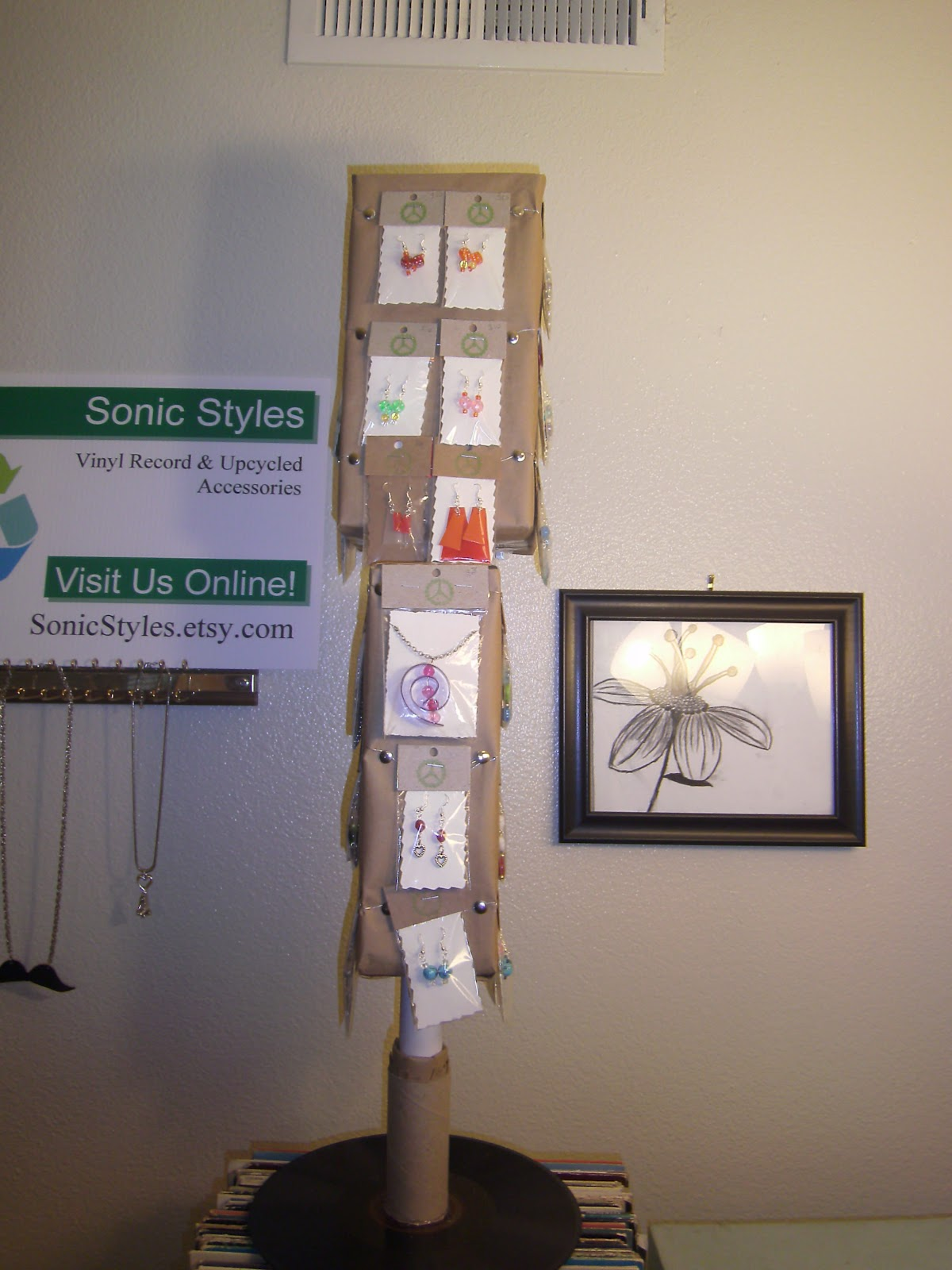 Exhibition Stand Jewelry : Sonicstyles how to make a rotating jewelry display stand