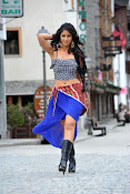 Illeana hot in Devudu Chesina Manusulu Movie-thumbnail-10