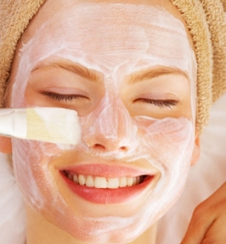Fashion jaunt how to make facial bleach at home do it yourself home do it yourself bleach has chemicals that merge into the skin and lighten facial hair making them considerably less noticeable on your skin solutioingenieria Image collections