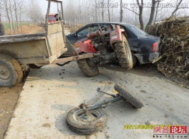 http://2.bp.blogspot.com/-5-PTxXWhAGk/TXhQJDVzezI/AAAAAAAAQkA/YDMUBHWUUjU/s1600/the_tractor_and_640_03.jpg