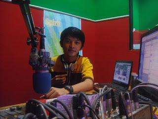 Menyiar Radio Lagi ( Catatan 18 Februari 2013 )- www.catatanbryant.com