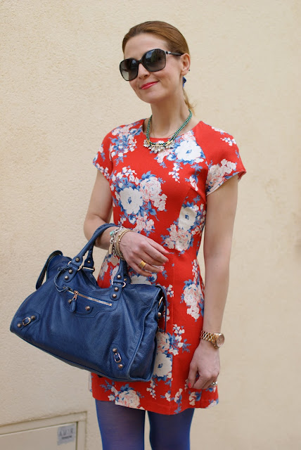 Rencontres flower dress, Chanel sunglasses, Fashion and Cookies