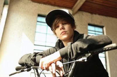 Justin Bieber - Silent Night Lyrics